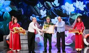 Giao lưu điển hình toàn quốc trong học tập và làm theo tư tưởng, đạo đức, phong cách Hồ Chí Minh