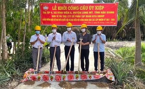 KITA Group tài trợ 300 triệu đồng xây dựng cầu dân sinh tại huyện Long Mỹ, Hậu Giang