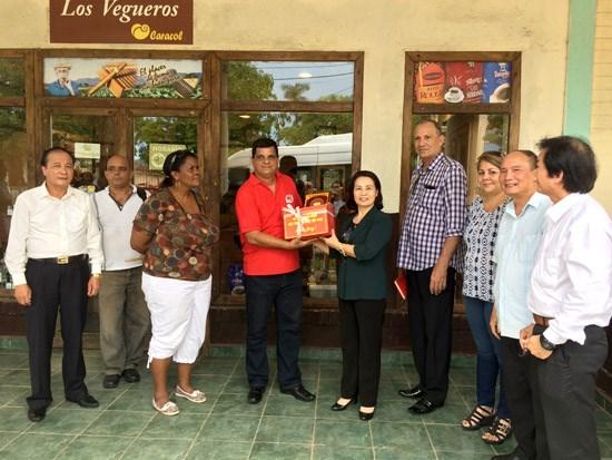 Nhân dân Việt Nam - Cuba tiếp tục sát cánh, ủng hộ và giúp đỡ lẫn nhau