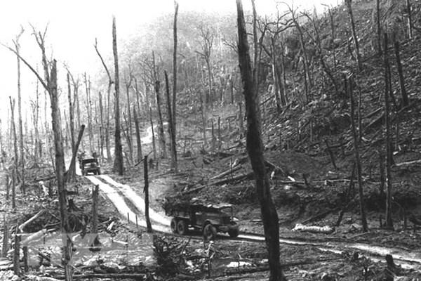 Sáu mươi năm lịch sử hào hùng xẻ dọc Trường Sơn cứu nước