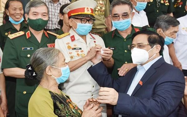 Thủ tướng Phạm Minh Chính gặp mặt đại biểu người có công với cách mạng