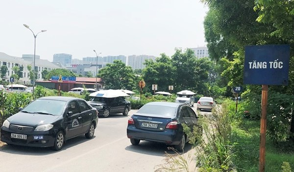 Cận cảnh 7 sân dạy lái xe 'chui' hoạt động công khai giữa Hà Nội nhiều năm - ảnh 9