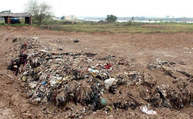 Hải Dương: Phát hiện điểm chôn lấp hàng ngàn m3 chất thải trái phép